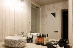 Room [321] HOTEL 41AV ANNEX Hotels 41av Group - 福岡市近郊 ラブホテル 41av グループ Bathroom Lighting, Mirror, Furniture, Home Decor, Bathroom Light Fittings, Bathroom Vanity Lighting, Decoration Home, Room Decor, Mirrors
