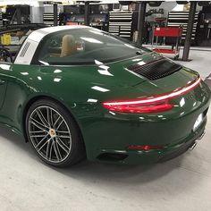 PTS via @autohausmarcus #irishgreen #veryverde #targa4s #pts #991.2 #porsche #911 #luftgekuhlt #aircooled #jetcetter #jetsetter #supercar #car #rich #wealthy #rare #millionaire #billionaire #uae #dubai #uk #toronto #pml #la #nyc #potd