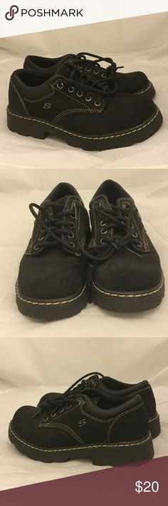 Sketchers Shoes Black Sketchers Shoes Black. Size 7 1/2. These shoes are end of season shelf pulls with little wear or blemishes. Sketchers Shoes Sneakers