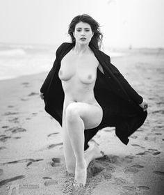 #nudos #streetart #nature #parteuropean #photography #model #cool #contest #seduction #semplicity #fascino #elgant #espressività #estero #italy #inghilterra #spiaggia #sole #ritratto #rivista #sentimental #donna # by agatamodella94