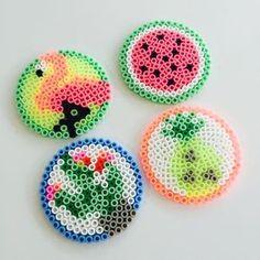 A bit of tropicool in hamas pearls Easy Perler Bead Patterns, Melty Bead Patterns, Perler Bead Templates, Beading Patterns, Hama Beads Coasters, Diy Perler Beads, Perler Bead Art, Hama Mini, Hamma Beads Ideas