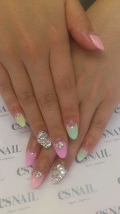 nails @Erica Cerulo Cerulo Cerulo Campos these would look good on ur hands/nails