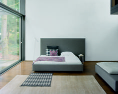 Upholstered bed PARDIS by Philipp Mainzer with extra high headboard. Kilim: NEYRIZ. / www.e15.com #e15 #grey