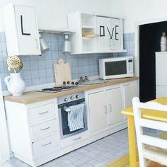 """""""mini me"""" Ikea kitchen dollhouse"""