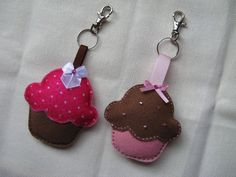 Cupcake keychain Felt