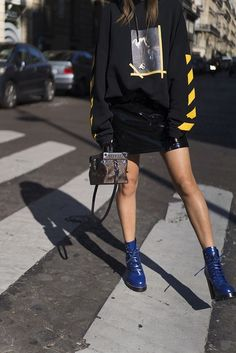 aimee_song_of_style_paris_fashion_week_off_white_hoodie_louis_vuitton_skirt_shoes Mode, Stil, Schuhe Look Fashion, Fashion Models, Fashion Outfits, Womens Fashion, Fashion Trends, Off White Fashion, Skirt Fashion, Fashion Beauty, Fashion Week Paris