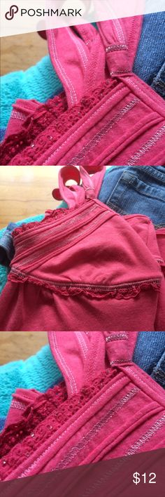 Hollister tank! Excellent, like new condition! Pink ruffle lace edging with silver embellishments! Perfect for summer!!! Smoke free home. Bundle & save, no trades! Hollister Tops Tank Tops