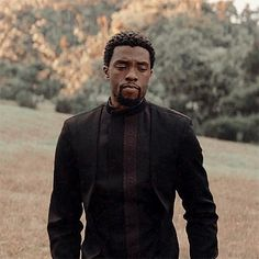 + · ღ 𝑴𝒂𝒚𝒐𝒓𝒊… # Fanfic # amreading # books # wattpad Marvel Dc, Marvel Comics, Black Panther Chadwick Boseman, Black Panther Marvel, My Black Is Beautiful, Marvel Characters, Marvel Actors, Fine Men, Hollywood