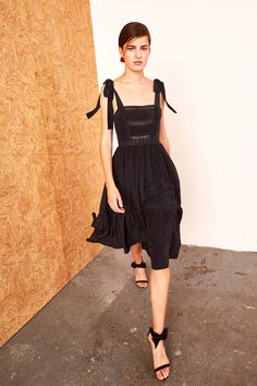 http://www.vogue.com/fashion-shows/pre-fall-2017/ulla-johnson/slideshow/collection