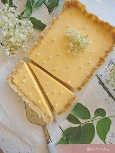 Bodzás-citromos tart | Sütidoboz.hu No Salt Recipes, Sweet Recipes, No Bake Treats, Homemade Cakes, Diy Food, Fun Desserts, No Bake Cake, Food To Make, Food And Drink