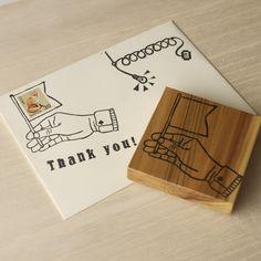 【ハガキや封筒を作ろう☆】旗を持つ手の切手フレーム