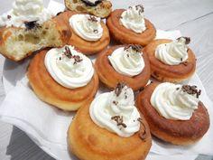 Skvělý a osvědčený recept na bavorské vdolečky. Nejlepší bavorské vdolečky jako peříčko. Fantastický a osvědčený recept na bavorské vdolky Sweet Desserts, Mini Cupcakes, Tiramisu, Cheesecake, Deserts, Food And Drink, Pie, Sweets, Baking