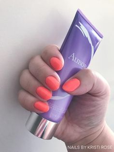 Lady in a Dress featuring Aurora - Luxurious Filler for Hands #gelmoment