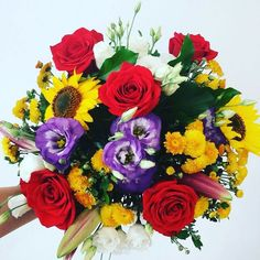 #summer in a #bouquet #roses #redroses #sunflower #flowers #instaflower… Flowers Delivered, Red Roses, Floral Wreath, Bouquet, Wreaths, Instagram Posts, Summer, Decor, Floral Crown