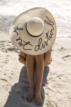 Adore this fun beach hat!
