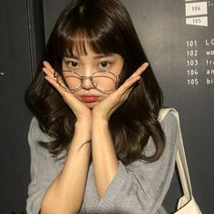 please don't remove the captions of ig posts Ulzzang Hair, Ulzzang Korean Girl, Korean Picture, Shot Hair Styles, Chubby Cheeks, Cute Girl Photo, Asian Makeup, Kpop, Girls With Glasses