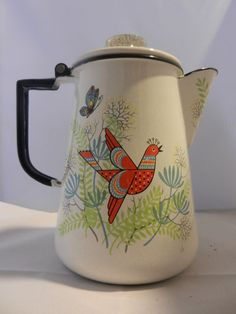 Vintage enamel coffee pot/tea pot