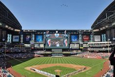 The first with built in retractable roof, is a stadium located in downtown Phoenix, and is the home of the Arizona Diamondbacks of Major League Baseball. Baseball Park, Baseball League, Baseball Field, Giants Baseball, Chase Field, Mlb Stadiums, Living In Arizona, Downtown Phoenix, Field Of Dreams