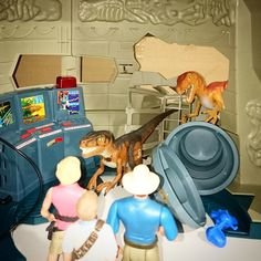 Image result for jurassic park command compound Jurrassic Park, Fun Facts, Image, Diy, Bricolage, Do It Yourself, Funny Facts, Homemade, Diys