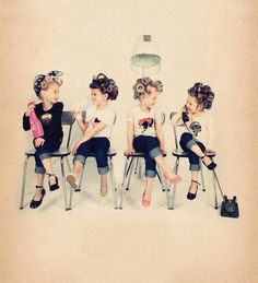 Zoetje & Nozem rockabilly girl Vintage Retro curlers I want to do this photo now with my adult friends. Rockabilly Baby, Rockabilly Fashion, Hair Salon Interior, Salon Interior Design, Salon Design, Foto Fantasy, Hairstylist Quotes, Hair Quotes, Hair Salon Quotes