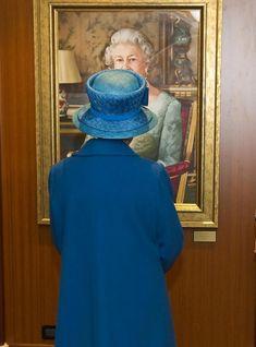 Queen Elizabeth II - Queen Elizabeth Views Her Painting