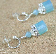 Craft ideas 3374 - Mint green earringsMint green opal crystal gold