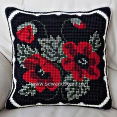 Buy+Poppy+Posy+Cushion+Front+Chunky+Cross+Stitch+Kit+Online+at+www.sewandso.co.uk