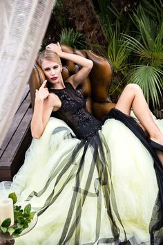 Fuente: Jordi Dalmau Beautiful Gowns, Beautiful Women, Wedding Dress, Prom Dresses, Formal Dresses, Couture, Ball Gowns, Women Wear, How To Wear