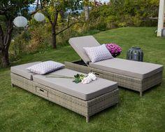 Hagemøbel, solseng med liten skuff på siden.  www.krogh-design.no/hage