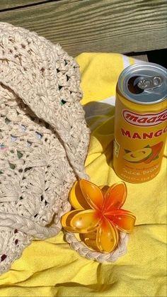 carriebradshaw 🕊 (@pradasunset) / Twitter Summer Dream, Summer Baby, Summer Of Love, Spring Summer, Beach Aesthetic, Summer Aesthetic, Summer Feeling, Summer Vibes, Phineas Y Ferb
