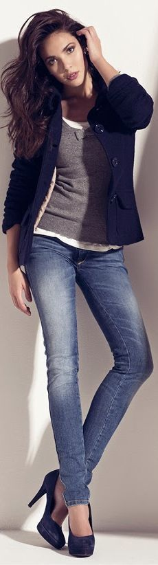 Great casual / smart outfit. Perfect colours to take you from autumn to spring, it will look amazing with a pair of boots.
