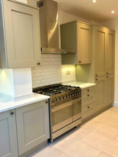 London Painted Shaker Kitchen finished in Dakar, Venatino Quartz worktops and a Fabulous Smeg Range Oven Kitchen Projects, Oven Range, Paint Shakers, Traditional Kitchen, Smeg Range, Kitchen, Shaker Kitchen, Kitchen Finishes, Kitchen Cabinets