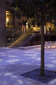 Plaza & Courtyard Lighting