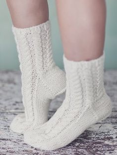 Hand-knitted socks embellished with a stunning cable pattern. Lace Socks, Wool Socks, Knitting Socks, Baby Knitting, Crochet Home, Crochet Baby, Knit Crochet, Knit Shoes, Sock Shoes