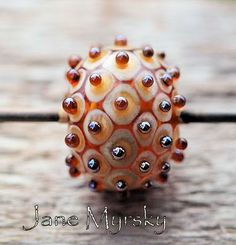 Love dot beads, this is so precise...and pretty!!!