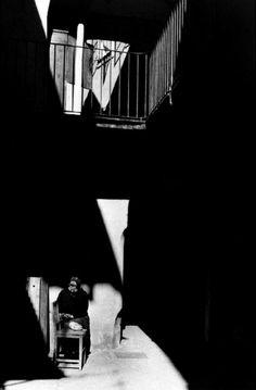 Blutgasse, Vienna, Austria, 1957. Photo by Inge Morath. S)