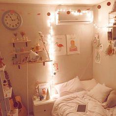 (h21004sy)'s style | 크리스마스 맞이 새단장한 내 방도 해피 크리스마스 #인테리어 #셀프인테리어 #크리스마스 #꼬마전구 #
