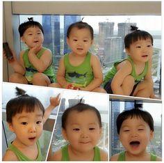 pic from IG: songilkook Cute Kids, Cute Babies, Baby Kids, Triplet Babies, Superman Kids, Song Triplets, Song Daehan, Korean Babies, Asian Love