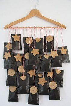 Do you want to make an advent calendar yourself - creative ba .- Wollen Sie einen Adventskalender selber basteln- kreative Bastelideen Do you want to make an advent calendar yourself – creative craft ideas - Winter Christmas, All Things Christmas, Christmas Holidays, Advent Calenders, Diy Advent Calendar, Calendar Ideas, Homemade Advent Calendars, Diy Calendario, Christmas Crafts