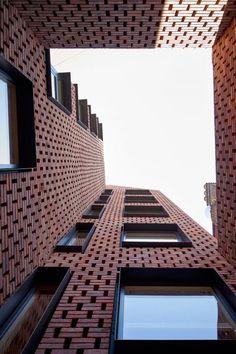 Barretts grove by amin taha architects brick in architecture Modern Architecture Design, Brick Architecture, Modern Buildings, Residential Architecture, Architecture Today, Brick Design, Facade Design, Brick Images, Brick Detail