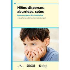 Niños dispersos, aburridos, solos