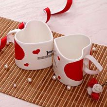 Ceramic Mug and Spoon Set: If you are looking for a unique gift to delight your loved ones on special occasions then here is a stunning gift option for you. #giftforwife