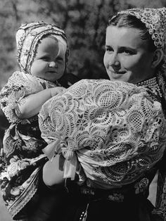 Orava, Let's face it. Slovak folk costumes are the most beautiful in the world. We Are The World, People Around The World, Gossamer Wings, Folk Embroidery, Ethnic Dress, Folk Costume, Costume Dress, Mother And Child, Ethnic Fashion