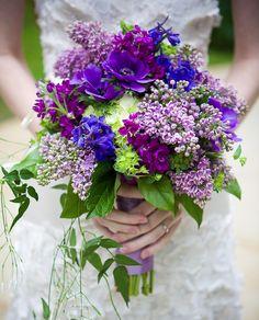 Shades of Violet violet et vert bouquet en toute simplicité
