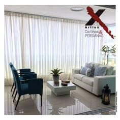 Want to add a splash of color to make your living room more energetic? Here are some living room color ideas for you to see! Coastal Living Rooms, Home Living Room, Living Room Designs, Living Room Decor, Bedroom Decor, Good Living Room Colors, Beautiful Living Rooms, Home Interior Design, Decoration
