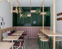Gallery of Tuíra Açaí / Traama Arquitetura - 1 Small Restaurant Design, Deco Restaurant, Small Cafe Design, Restaurant Interior Design, Modern Restaurant, Cafe Shop Design, Coffee Shop Interior Design, Juice Bar Interior, Juice Bar Design