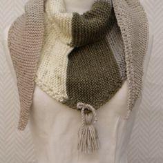 Echarpe, chèche , châle en laine tricoté main beige écru, gris Chale En  Laine e5a2bd6b056