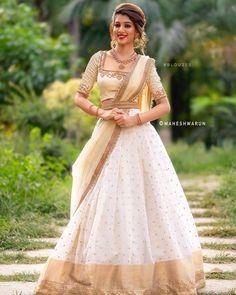 Lehenga Designs, Kerala Saree Blouse Designs, Lehenga Saree Design, Half Saree Designs, Bridal Blouse Designs, Indian Gowns Dresses, Indian Fashion Dresses, Dress Indian Style, Indian Designer Outfits
