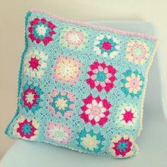 sharna_sews instagram crochet cushion front