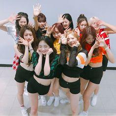 i miss pristin 😔💗 Kpop Girl Groups, Korean Girl Groups, Kpop Girls, Fandom, Pristin Kpop, Im Nayoung, Pledis Girlz, Gfriend Sowon, Korean People